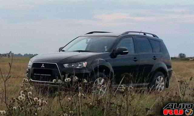 Mitsubishi Outlander, 2011