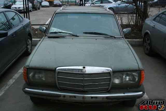 Mercedes-Benz W123, 1980