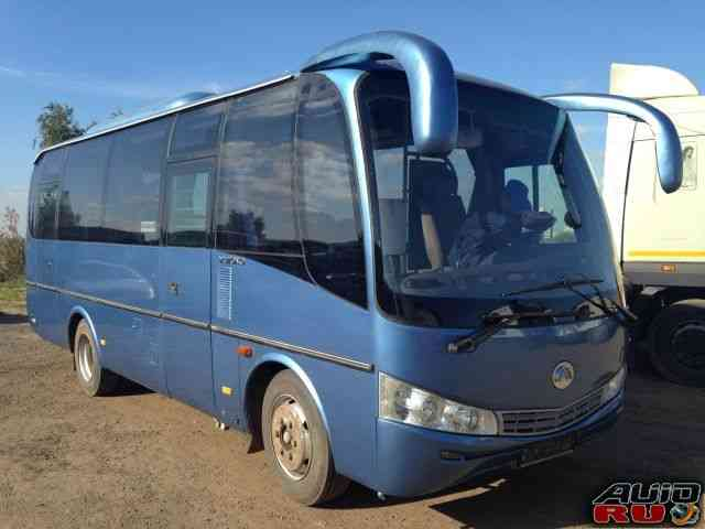 Ютонг автобус