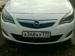 Opel Astra, 2010 фото-1