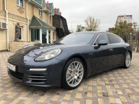 Porsche Panamera 4S, 2014