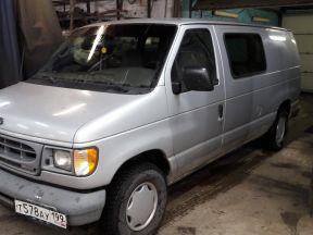 Ford Econoline, 2002