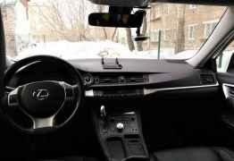Lexus CT, 2012